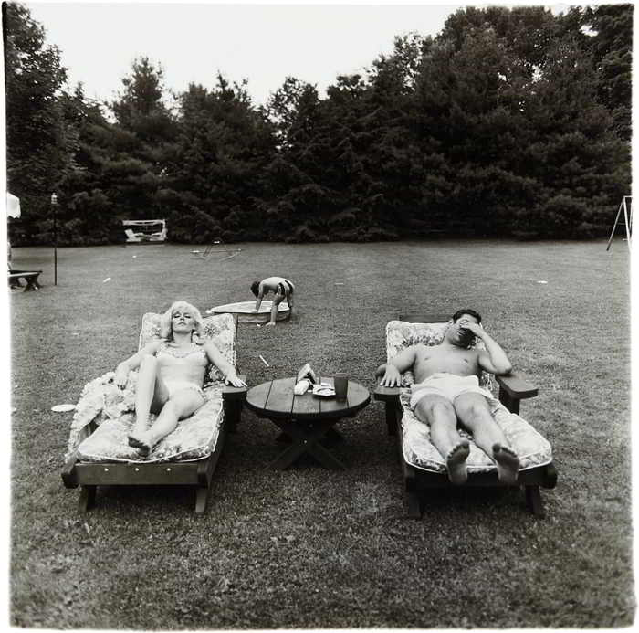 Diane Arbus-A family on their lawn one Sunday in Westchester, N.Y.-1968