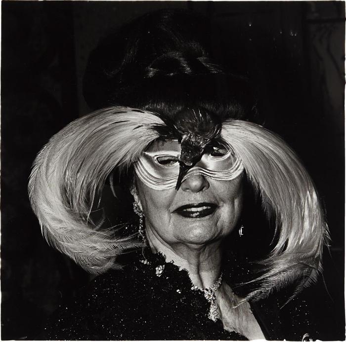 Diane Arbus-A woman in a bird mask, N.Y.C.-1967