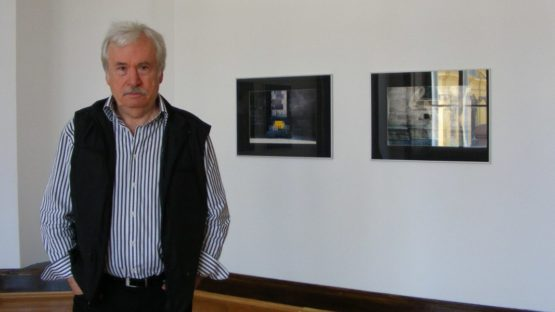 Diet Sayler besides his permanent exhibition in Timisoara Art Museum