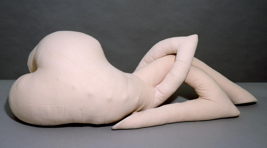 During her years in New York and Paris, Dorothea Tanning did not only work on her painting skills - she also did a lot of work on sculpted works like Nue couchée