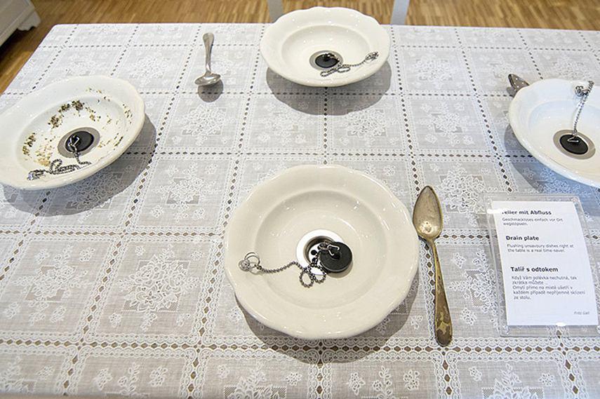 Drain plate