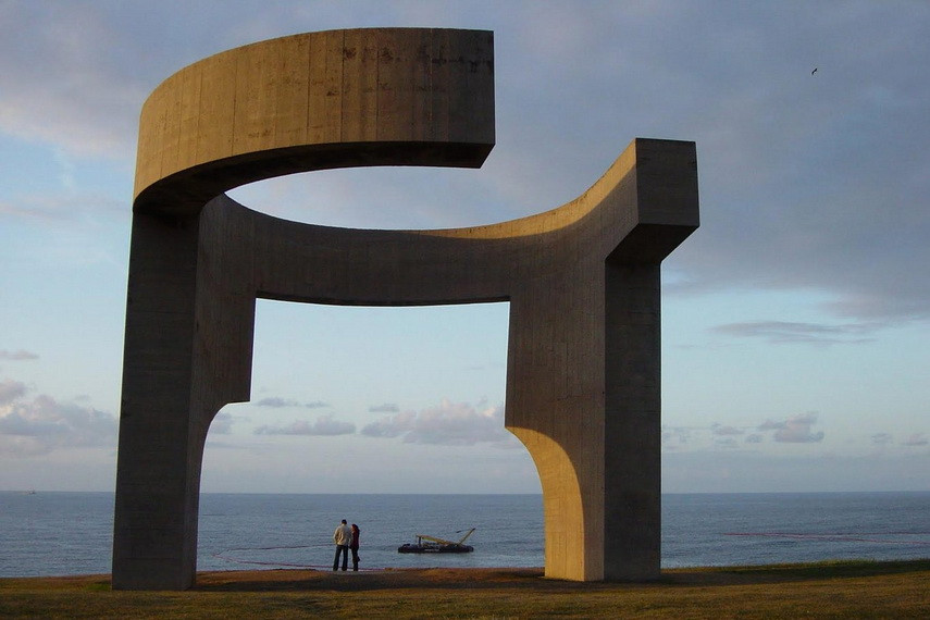In his home town Eduardo Chillida realized several public works while in a search for best form