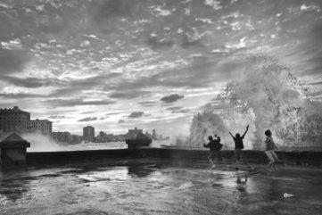 Eduardo-Garcia-The-Wave-2011