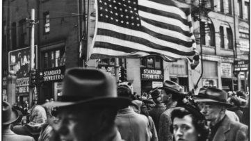 Elliott Erwitt - Armistice Day Parade, Pittsburgh 1950