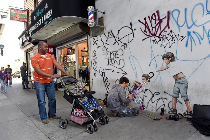 Ernest Zacharevic - You be the Kid ill be the Mum street view #1 - Photo Credit Martha Cooper