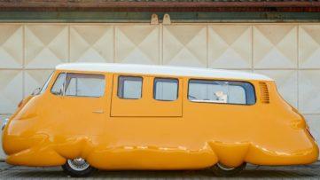Erwin Wurm - Hot Dog Bus