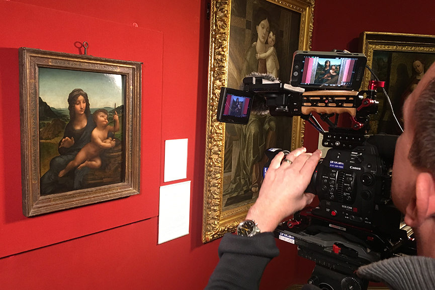 Filming Madonna of the Yarnwinder by Leonardo, National Gallery of Scotland