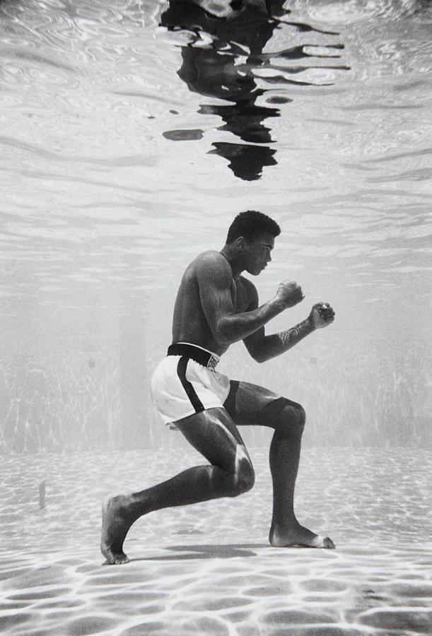 Flip Schulke-Muhammad Ali boxing underwater-1961