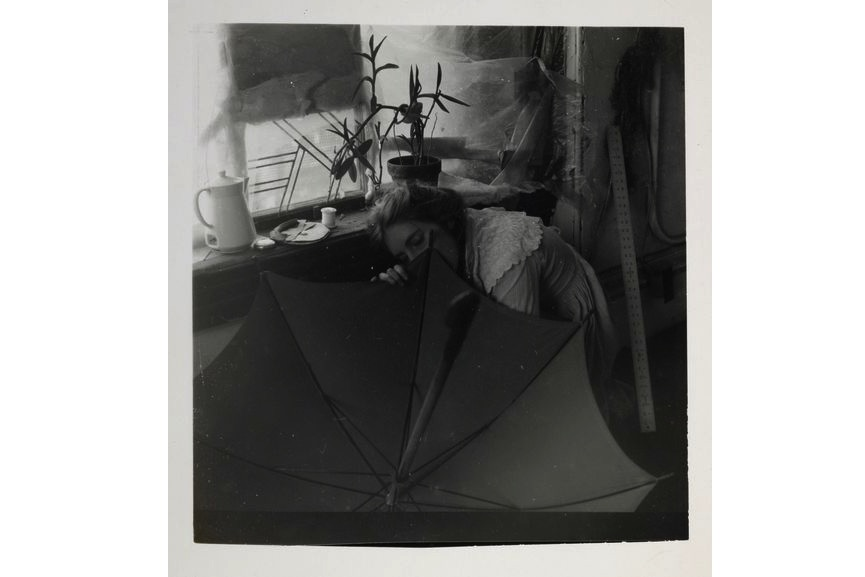 Francesca Woodman - Untitled (FW crouching behind umbrella) c.1980