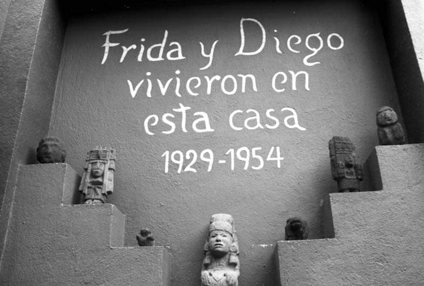 frida kahlo kahlo mexico mexican painting self paintings portrait home museum work city 1954 biography self