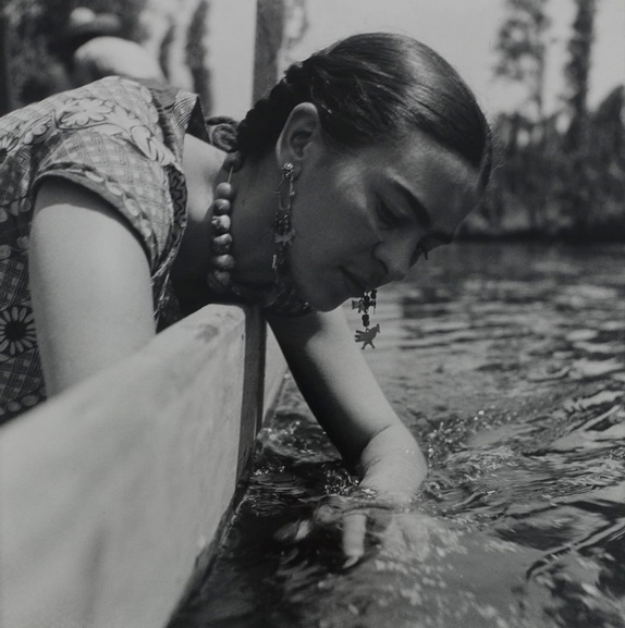 Fritz Henle - Frida at the river