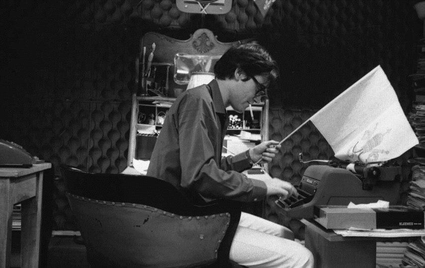 Gabor Szilasi - Raoul Duguay en période d'écriture - 1969 Photo Credits bilan.usherbrooke.ca