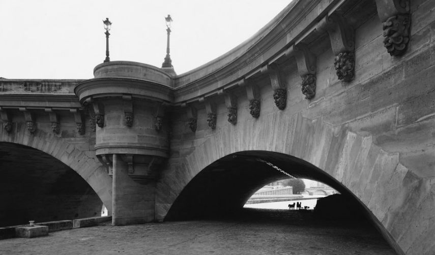Geoffrey James - Pont-Neuf, Paris (detail), 2000, photo via artdaily.com
