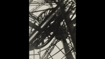 Germaine Krull - Tour Eiffel, 1927