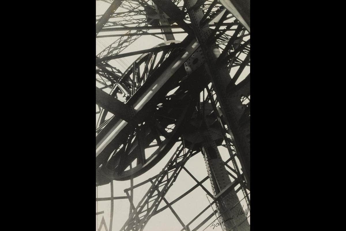 Germaine Krull - Tour Eiffel, 1927