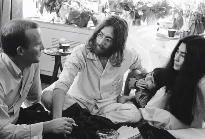 Gerry Deiter - Tom Smothers visits John and Yoko, 1969 (detail)