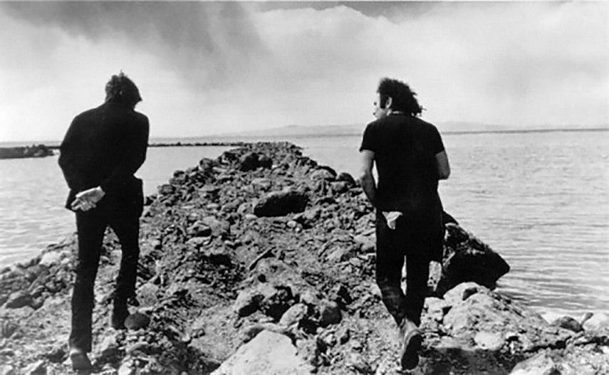 Gianfranco Gorgoni - Smithson and Richard Serra at Spiral Jetty