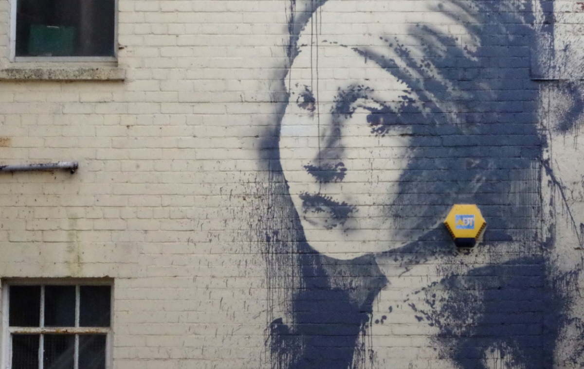 Girl-With-the-Pierced-Eardrum-photo-courtesy-banksy-co-uk