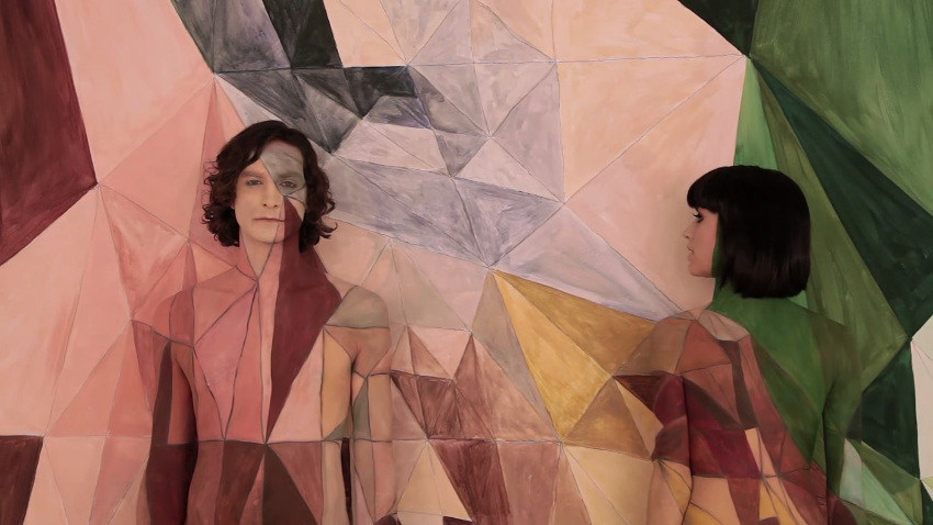 Gotye - Somebody That I Used To Know (feat. Kimbra) - official video, 2.35, image copyright gotyemusic