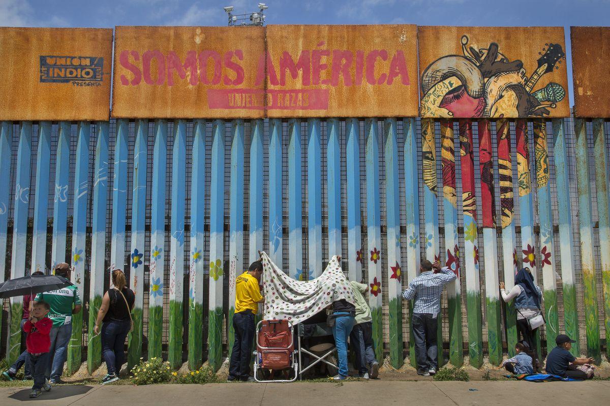 Griselda San Martin - The Wall, 2015-16