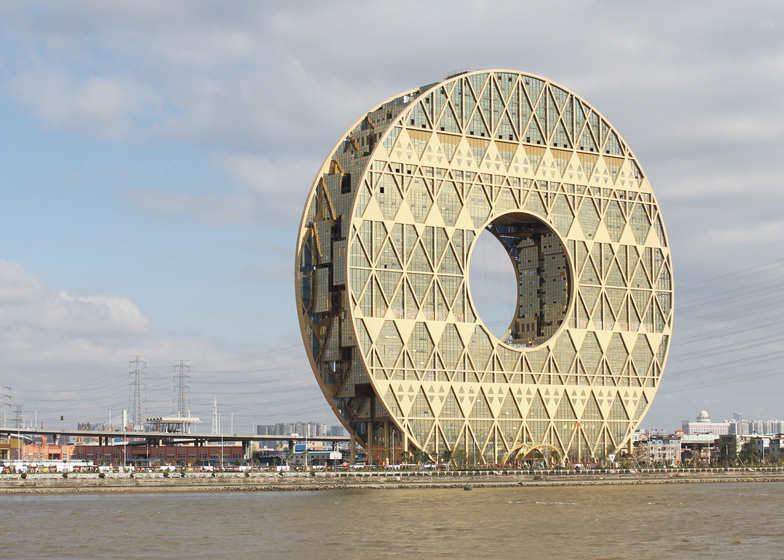 Guangzhou Circle - Doughnut shaped skyscraper by Joseph di Pasquale (Courtesy of Dezeen)
