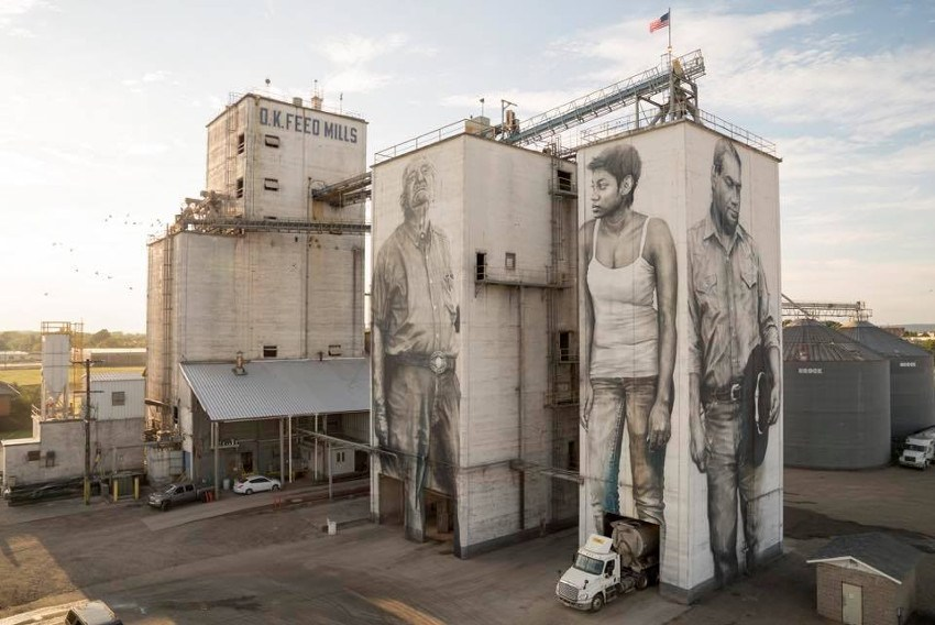 Guido van Helten instagram contact
