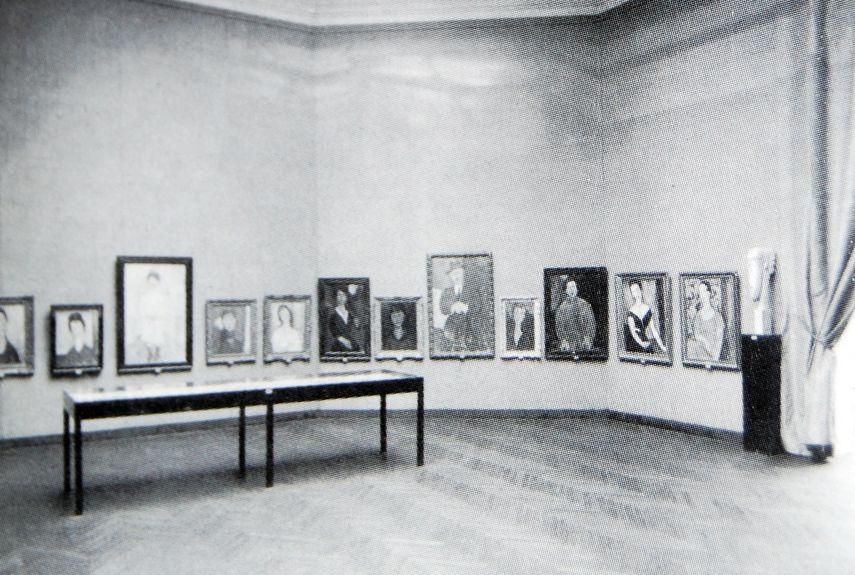 Hall of the Venice Biennale in 1930 dedicated to Amedeo Modigliani