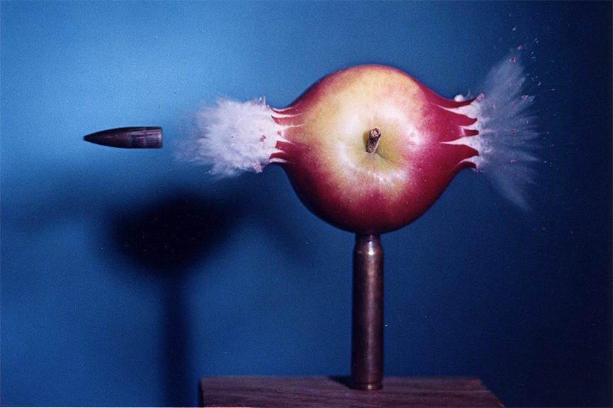 Harold Egerton - Bullet Piercing Apple, 1964