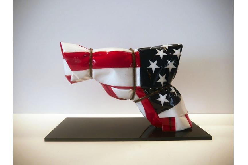 Helder Batista - American Flag Gun
