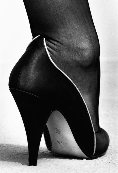 Helmut Newton - Walter Steiger shoe, Monte Carlo, 1983