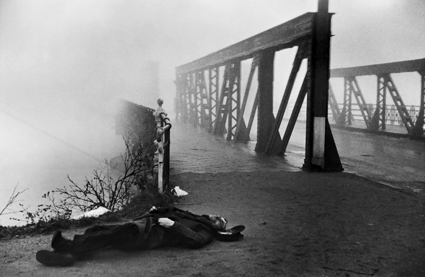 use Henri Cartier-Bresson - Near Strasbourg,1945