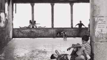 Henri Cartier-Bresson - Simiane-la-Rotonde, France, 1969