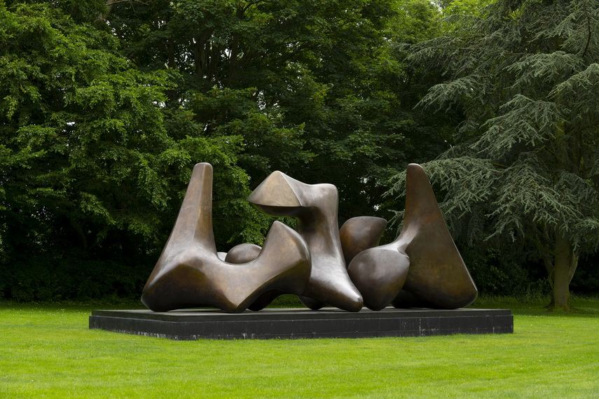 Henry Moore - Three Piece Sculpture Vertebrae