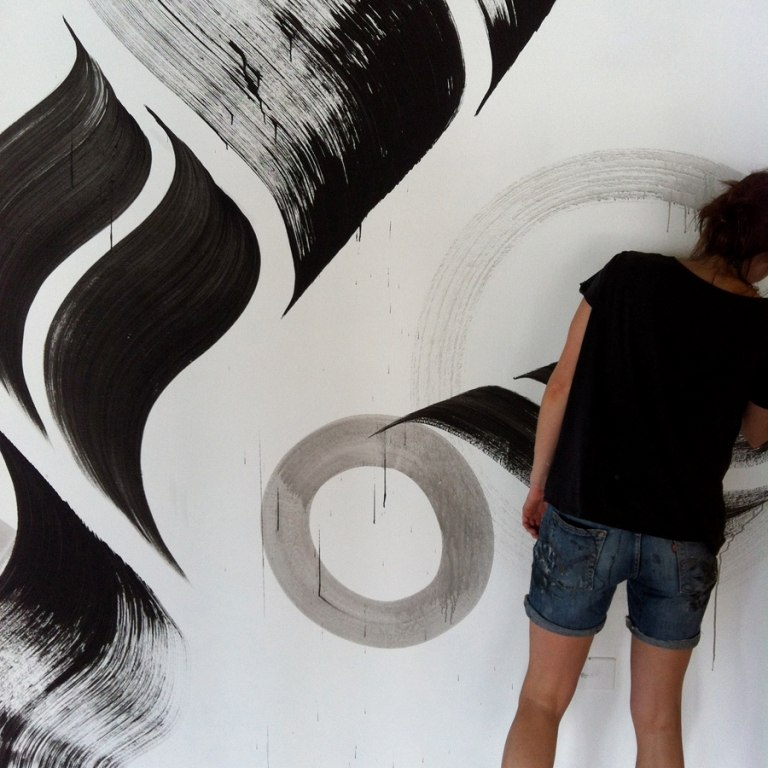 Artist of the Week - Lucy McLauchlan