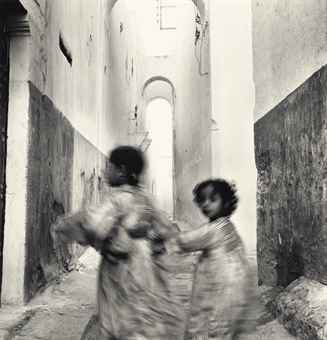 Irving Penn-Running Children, Morocco, Rabat-1951