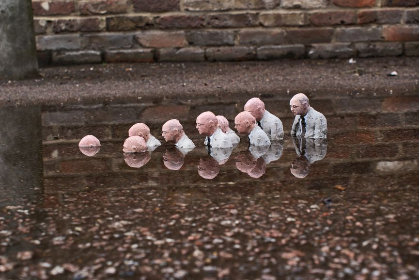Isaac Cordal - Follow the Leaders, via cementeclipses com