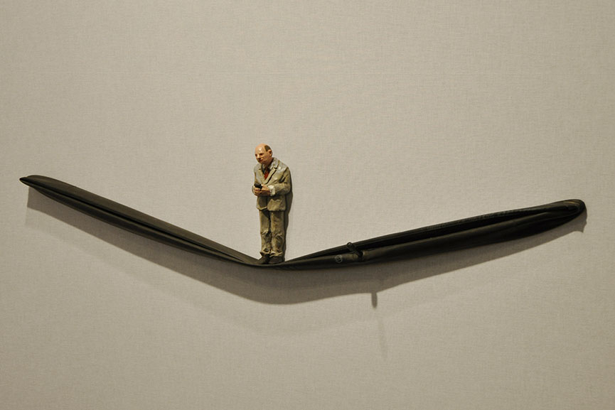 Isaac Cordal - Sleep Walker #1
