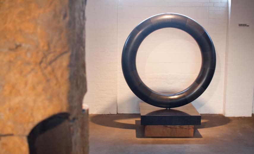 Isamu Noguchi - Sun at Noon (a museum set), 1969 - Image via iheartmyartcom
