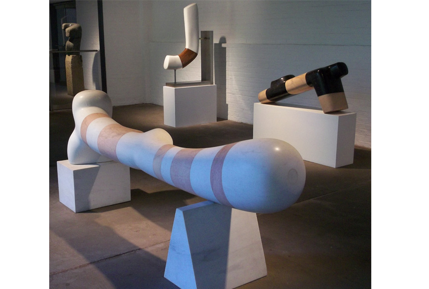 noguchi is known for the use of black alabaster