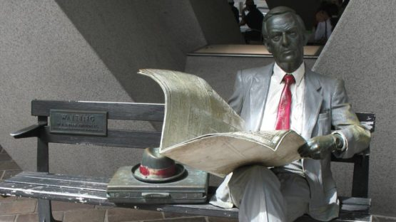 J. Seward Johnson Jr. - Waiting - Image via wikiwand