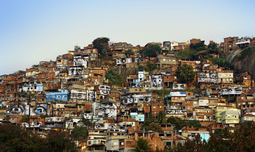 JR - 28 Millimètres, Women Are Heroes, Rio de Janeiro, 2008 on view at the Brooklyn Museum from October 2019