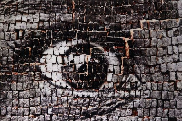 JR-28 Millimetres : Women are Heroes, Eye on Bricks, New Delhi, India-2009