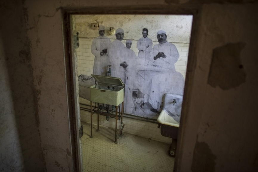 """JR """"Unframed - Ellis Island"""""""