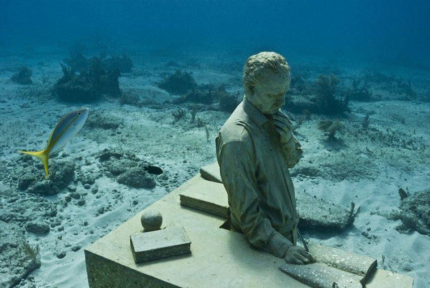 underwater sculpture life museum