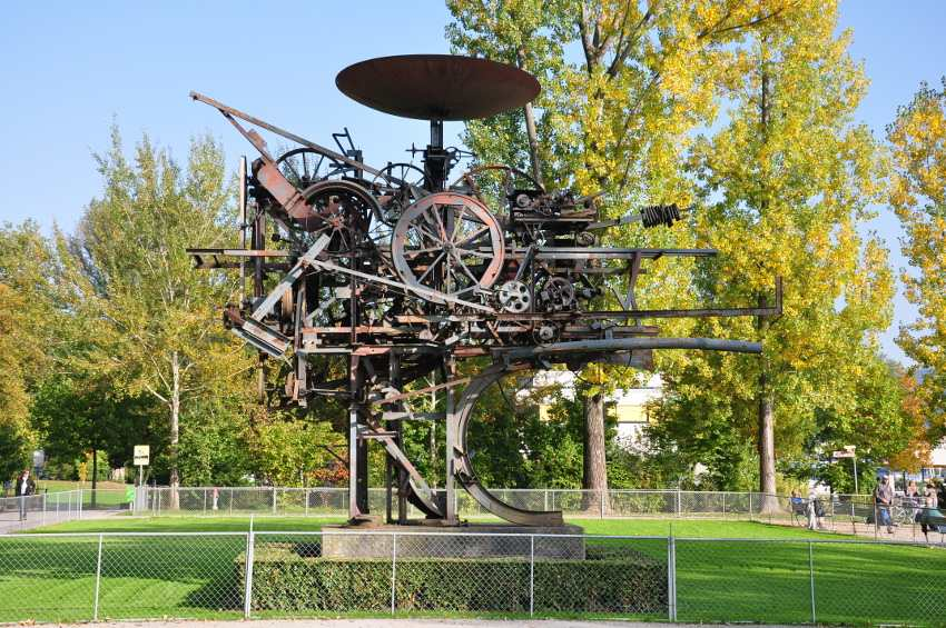 Jean Tinguely Museum international group exhibition