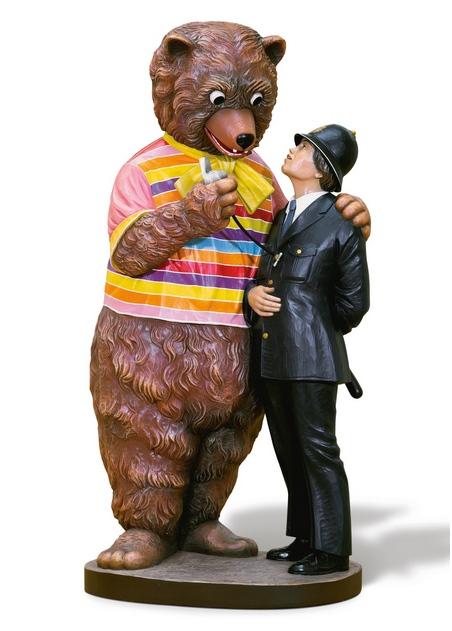 Jeff Koons-Bear and Policeman-1988