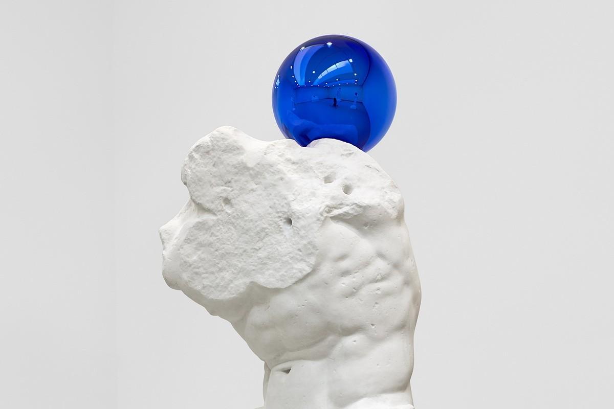 Jeff Koons - Gazing Ball Belvedere Torso detail