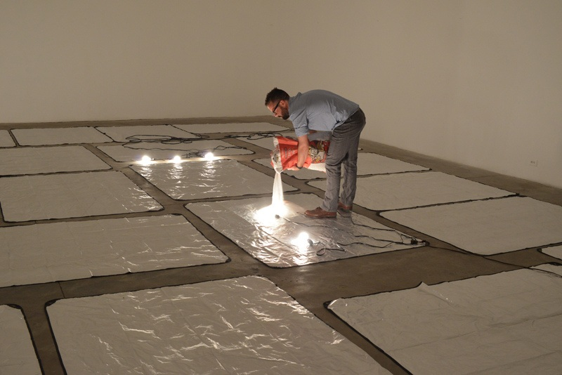 John Knuth - making of Fading Horizon, 2013, sugar, installation, lightbulbs