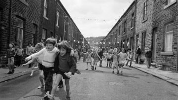 Martin Parr - Jubilee Street Party, Todmorden, West Yorkshire, 1977 ©