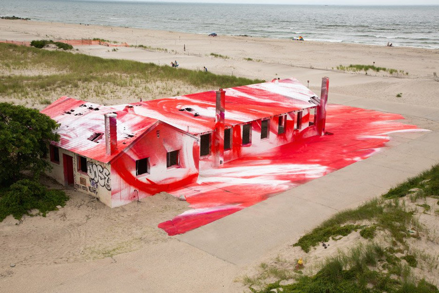 Katharina Grosse - news color works on specific exhibition sculpture use on gallery wall in Rockaway, 2015
